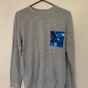Long sleeve sweater with pocket